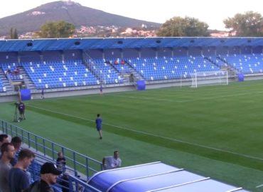 Prvé ligové víťazstvo a postup v pohári