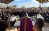 Zádušnú svätú omšu za obete nehody slúžil nitriansky biskup
