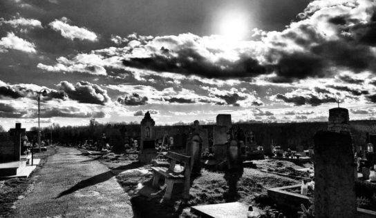Obce Kolíňany a Jelenec sa rozlúčia so zosnulými z autobusu smrti
