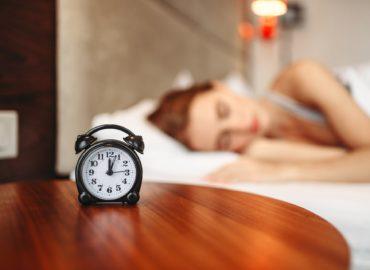 Prečo by sme mali vstávať o piatej?