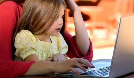 Poradňa: Portál Učíme na diaľku bude radiť žiakom, učiteľom i rodičom