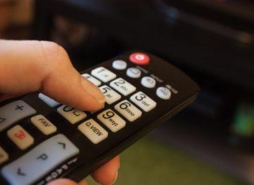 Diela povinnej literatúry na televíznych obrazovkách