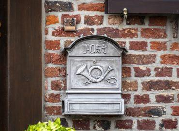 Našli spôsob ako ušetriť: Listy roznášajú mestskí poštári