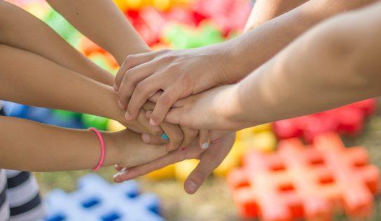 Žiaci základnej školy sa uchádzajú o hlasy v ankete Detský čin roka