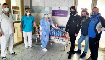 Nitrianski zápasníci majú dobré srdce: Zbierkou pomohli zdravotníkom v nemocnici
