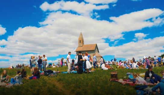 Na Zoborský kláštor alebo Dražovský kostolík  sa môžete vybrať aj virtuálne