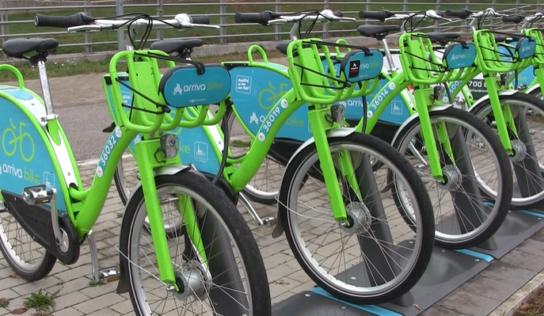 Zdieľané bicykle je v Nitre možné vypožičať aj zdarma. Pribudli tiež nové stanovištia