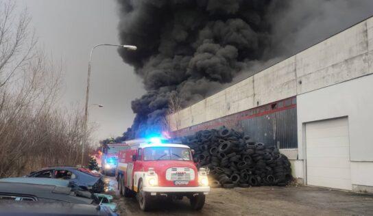 Za požiar v Šuranoch, s ktorým hasiči bojovali tri dni, vzniesli obvinenie