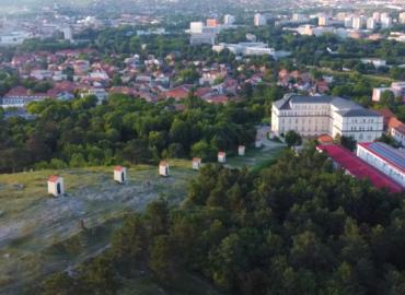Schválili dotácie na obnovu pamiatok: Peniaze pôdu napríklad na tržnicu, Kalváriu a Zoborský kláštor