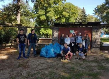 Vyzbierali 250 kg odpadu