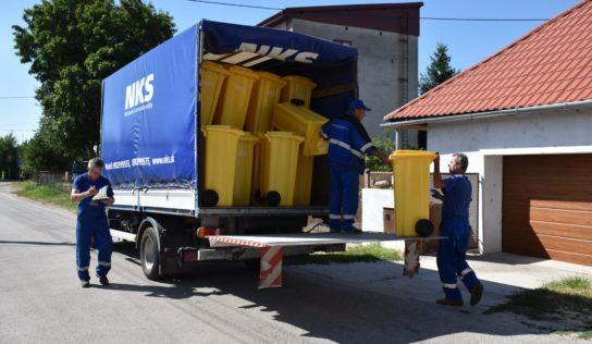 Žlté nádoby na plast distribuujú už aj na Čermáni a v Janíkovciach