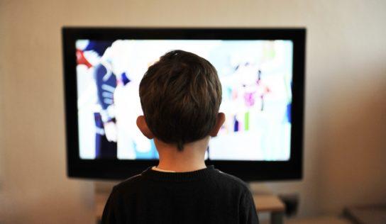 Na obrazovky sa vracia televízne vyučovanie