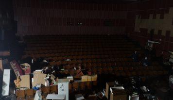 Exekučnému skladu v Kine Lipa je koniec: Mesto začalo s vypratávaním
