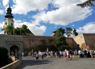 Nitriansky hrad láka domácich turistov na zľavy a súťaž