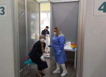 Ďalšie očkovacie centrá v Nitrianskom kraji majú vzniknúť v jazdiarni a v nemocnici
