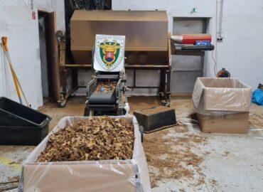 V Nitrianskom kraji bola odhalená nelegálna výrobňa cigariet: Zaistili vyše 12 ton