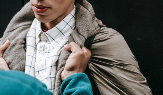 Dvaja stredoškoláci napadli na zastávke MHD 15-ročného chlapca