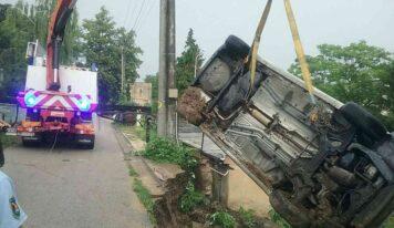 Cez víkend vyčíňali v Nitrianskom kraji búrky, hasiči zasahovali 16 krát