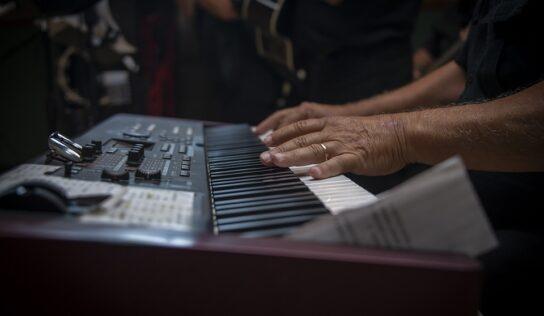 Svätoplukovým námestím budú znieť tóny nástrojov a spevy. Bielo-čierny koncert sa uskutoční už o dva týždne