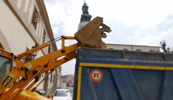 Prednedávnom začala rekonštrukcia Kráľovskej cesty. Ukončená by mohla byť na jeseň tohto roka