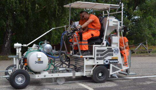 Regionálna správa a údržba ciest Nitra má nový cestný značkovací stroj