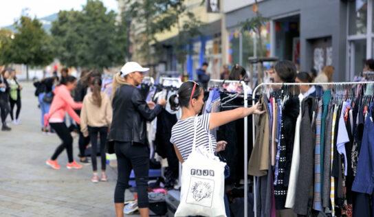 Sekáč je láska organizoval počas víkendu ďalší bazár oblečenia