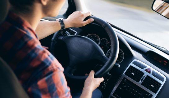 Polícia zastavila mladíka bez vodičského preukazu, ktorý prekročil povolenú rýchlosť